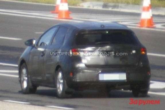 NewToyota Auris rear view