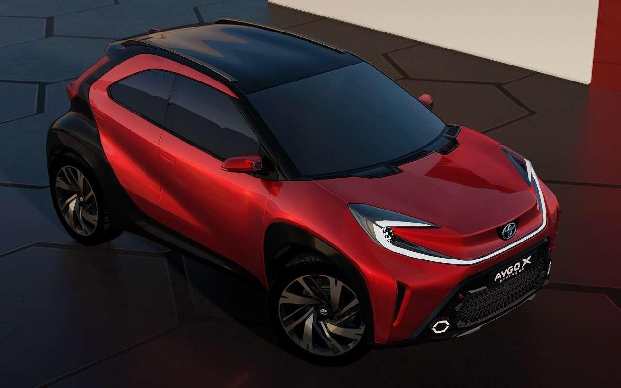 Новый компакт-кроссовер Toyota— первые официальные фото— фото 1232075