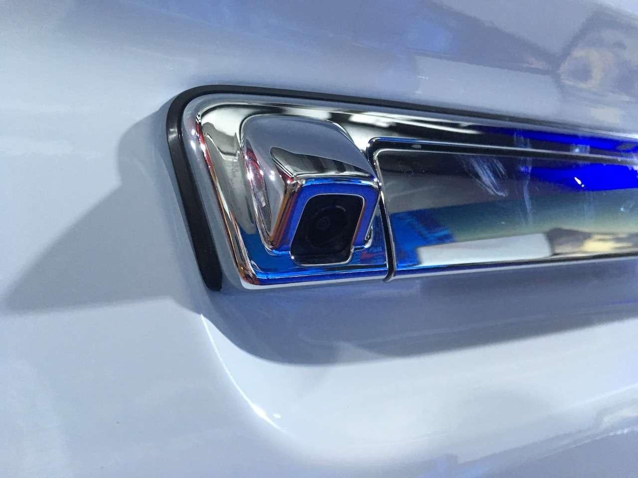 Isuzu объявила цены наобновленный пикап D-Max (спойлер— онподорожал)— фото 965188