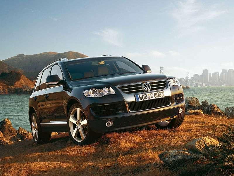 Цена автомобиля: кто еезадирает?