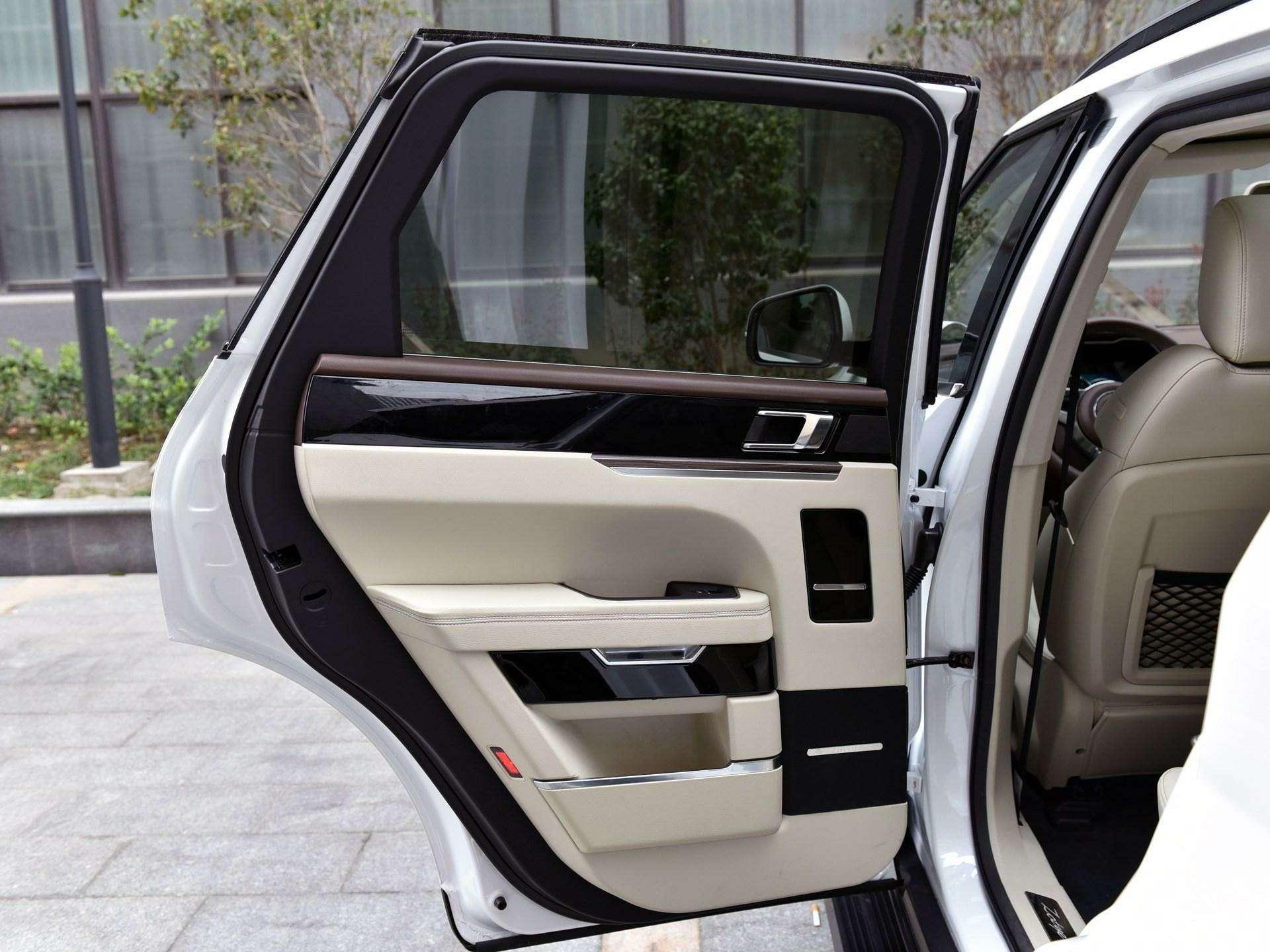 Jaguar иLand Rover водном флаконе: стартовало производство кроссовера Zotye T700— фото 727970
