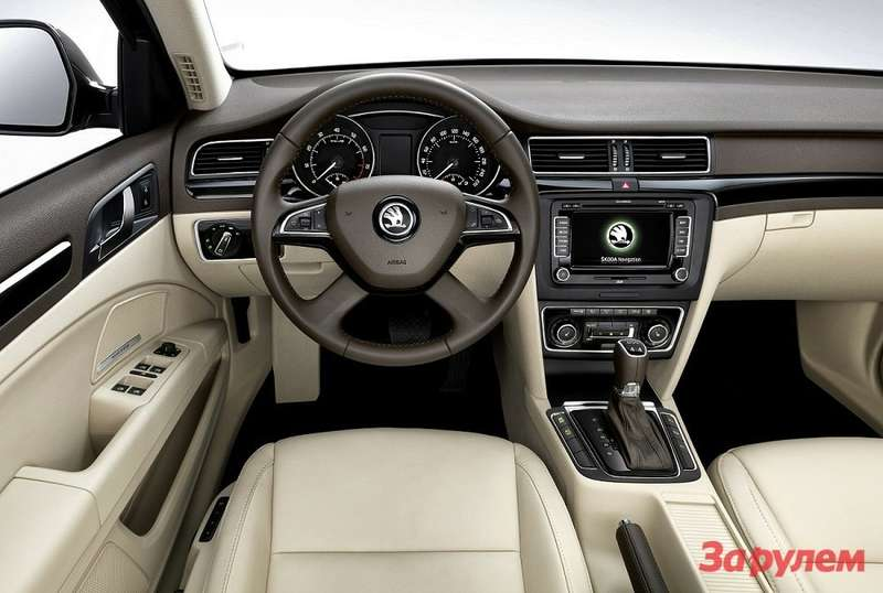 005 ŠKODA SUPERB INTERIOR