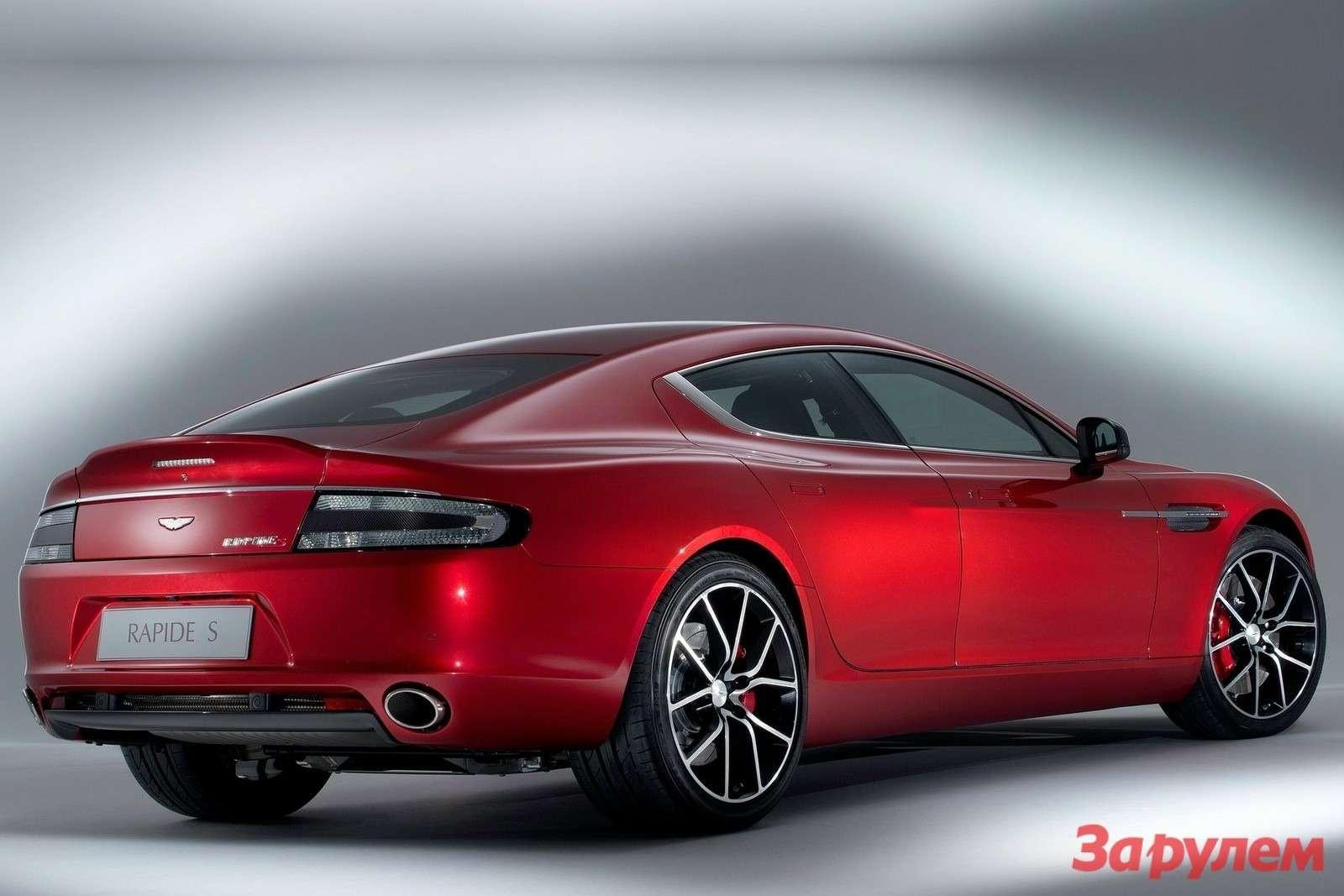 Aston Martin Rapide Sside-rear view