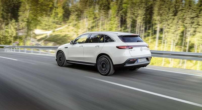 Электрический Mercedes-Benz EQC: два мотора и450 километров назарядке