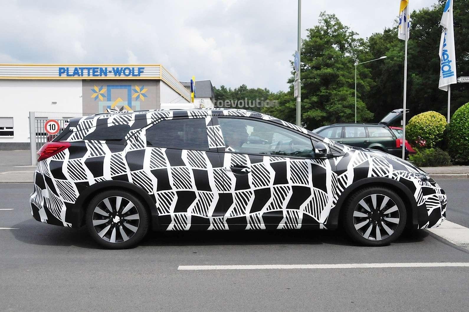 2015-honda-civic-tourer-facelift-spied-testing_3