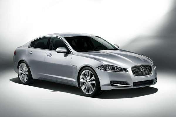 Jaguar XJиXFполучат новый 300-сильный мотор