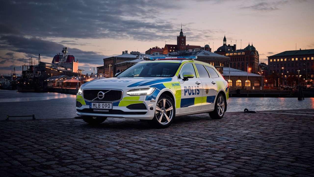 Volvo V90 встал подружье— фото 671798
