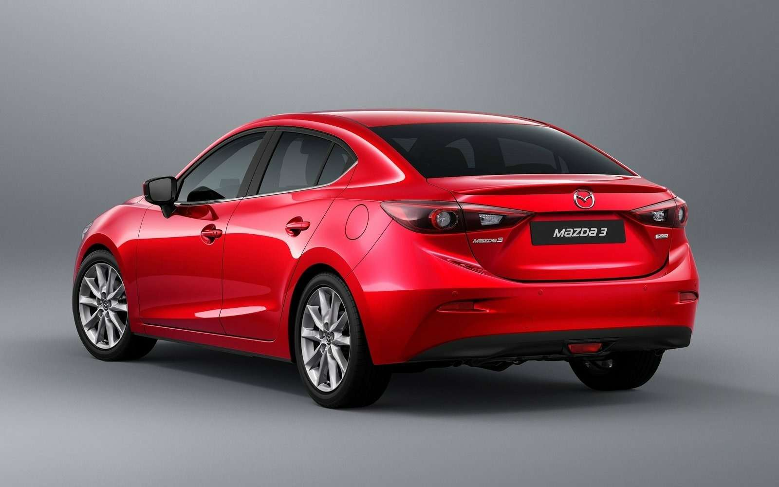 Обновленная Mazda 3будет сама жать нагаз!— фото 608691