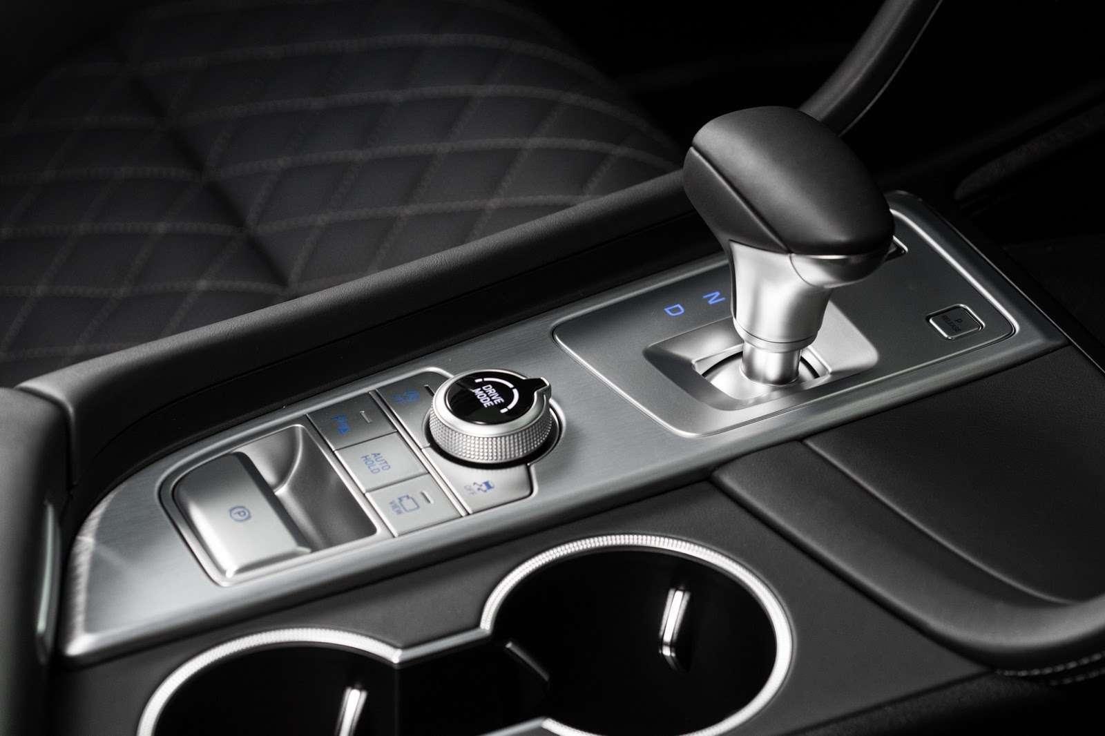Корейцы представили конкурента BMW 3-й серии— фото 795142
