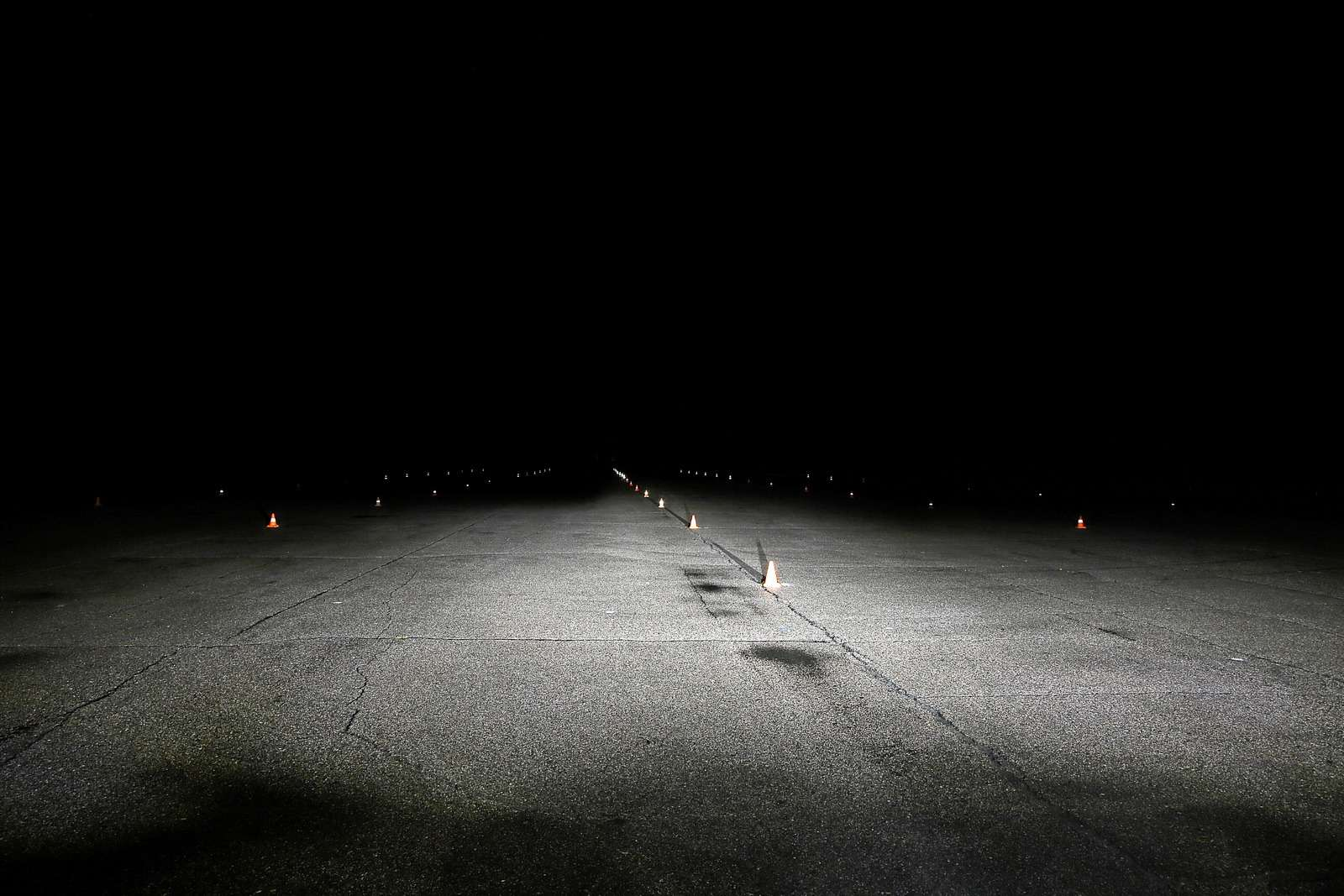 Супертест светодиодных фар: какая из10машин заглянет дальше?— фото 601246