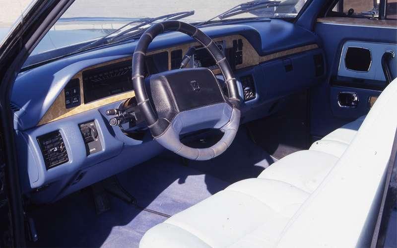 Легендарный лимузин ГАЗ-14 «Чайка» планируют возродить