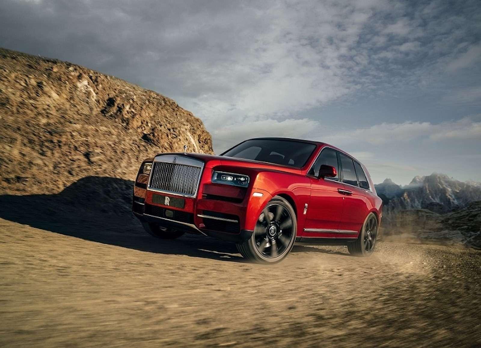 Кто дороже? Rolls-Royce привез вРоссию кроссовер за25миллионов— фото 874791