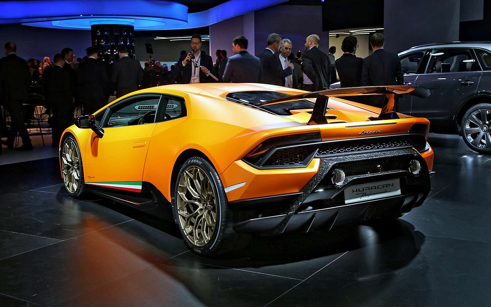 Тайны чемпиона: Lamborghini представила суперкар Huracan Performante— фото 717336