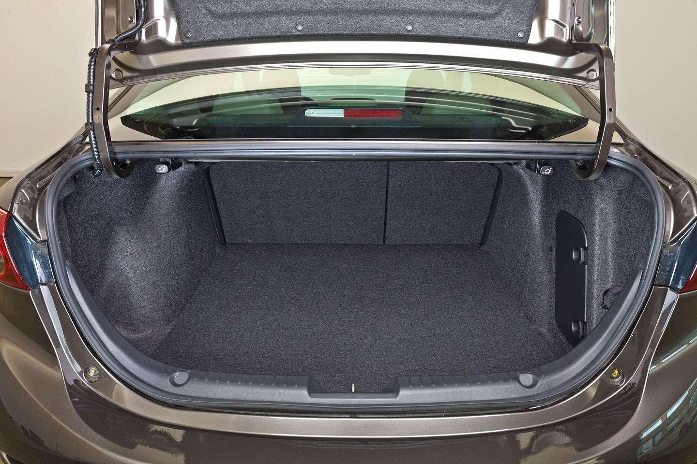 2014 Mazda3 Sedan 6[2] nocopyright (27)