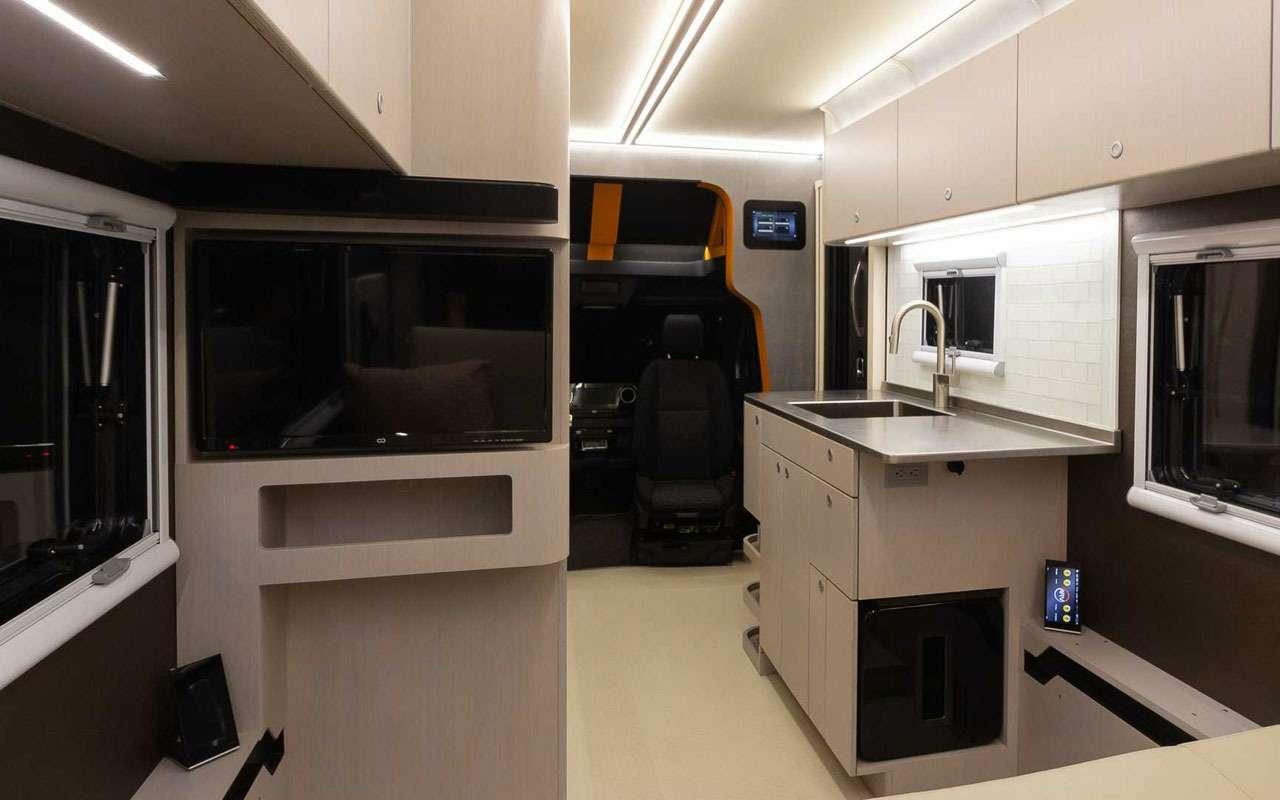 Квартира внутри... грузовичка. Без колес квартира дешевле!— фото 1198008
