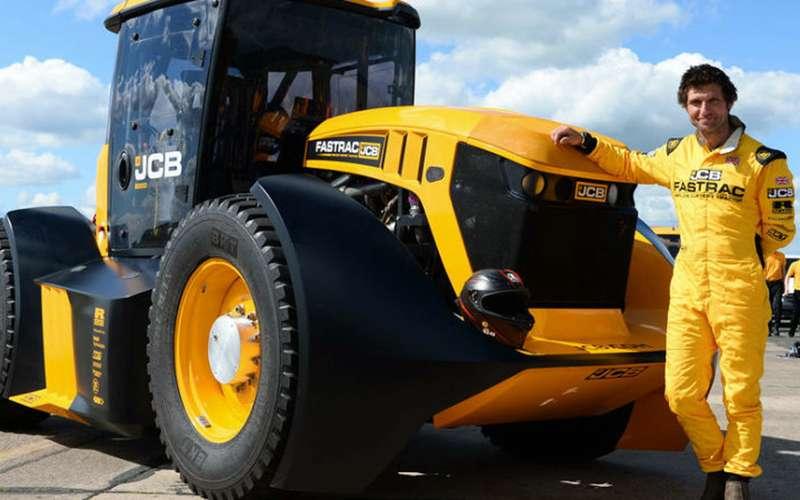 Этонадо видеть: трактор наскорости 167 км/ч! (видео)