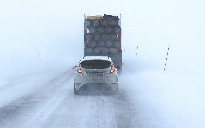 6 главных опасностей зимних дорог (помимо гололеда)