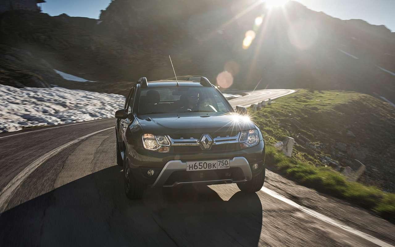 «Нафаршированный» Renault Sandero Stepway или «пустой» Duster: что выбрать?— фото 890410