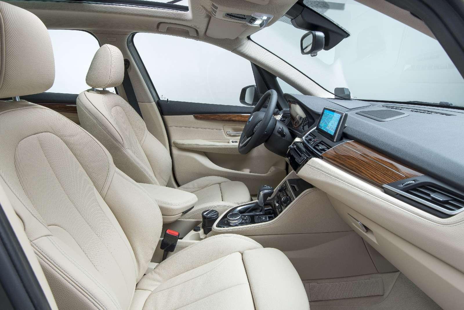 BMW2-й серии Active Tourer: объявлены рублевые цены— фото 722793