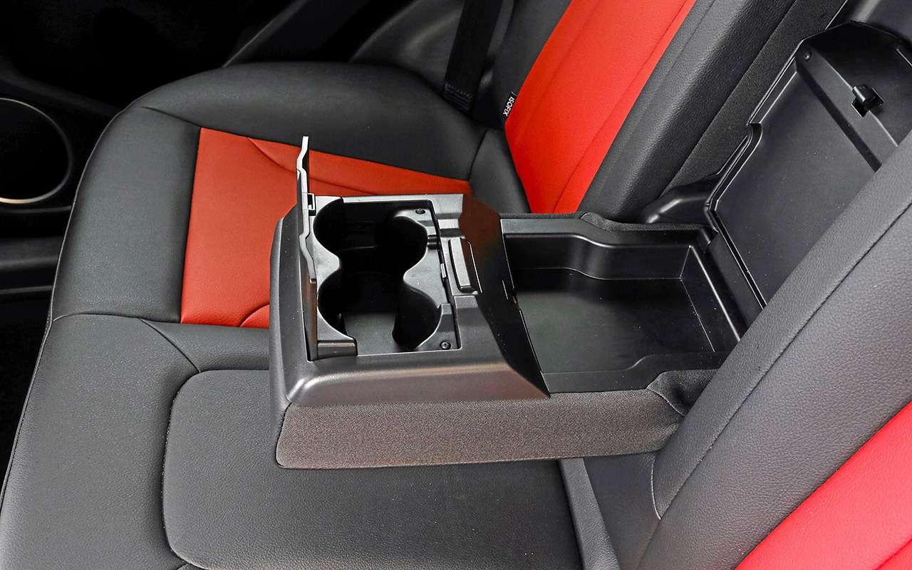 Большой тест кроссоверов: обновленный Ford EcoSport иконкуренты— фото 911204