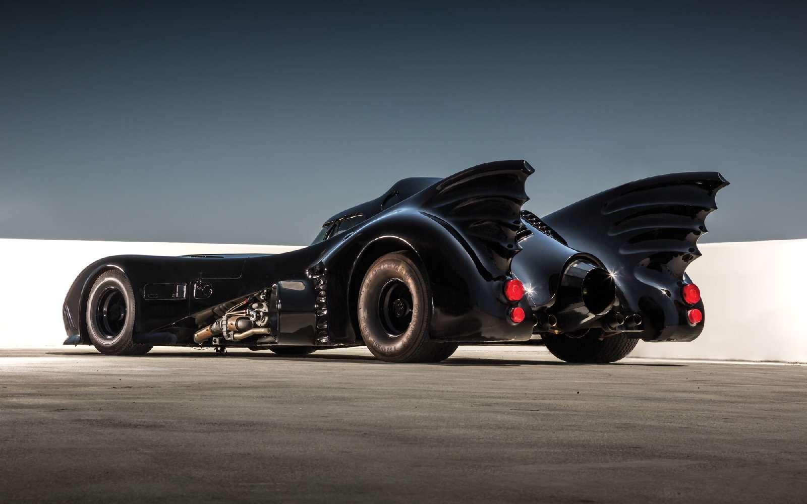 фото машины бэтмена для себя