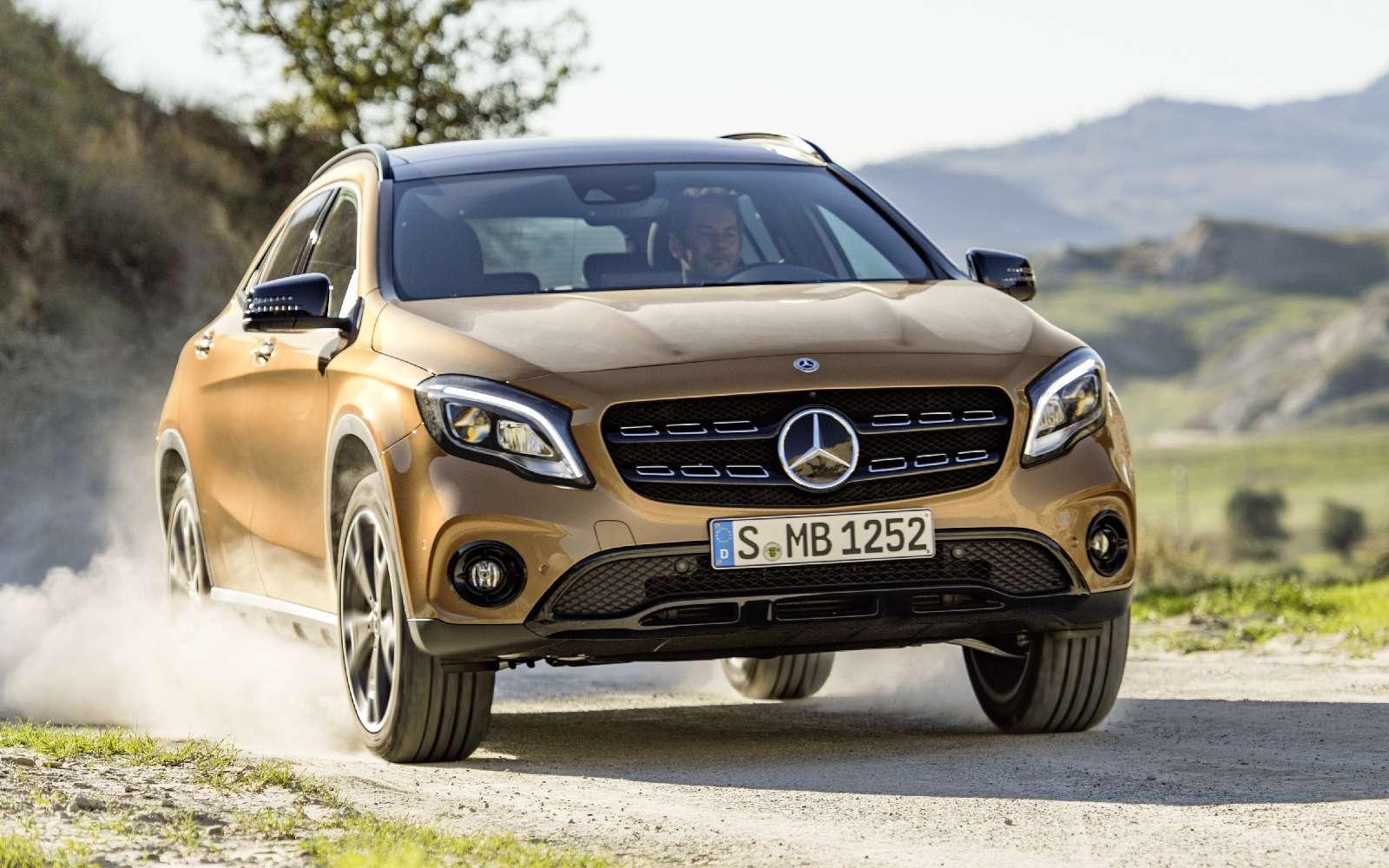 Mercedes-Benz GLA стал краше, ноне просторнее— фото 690071