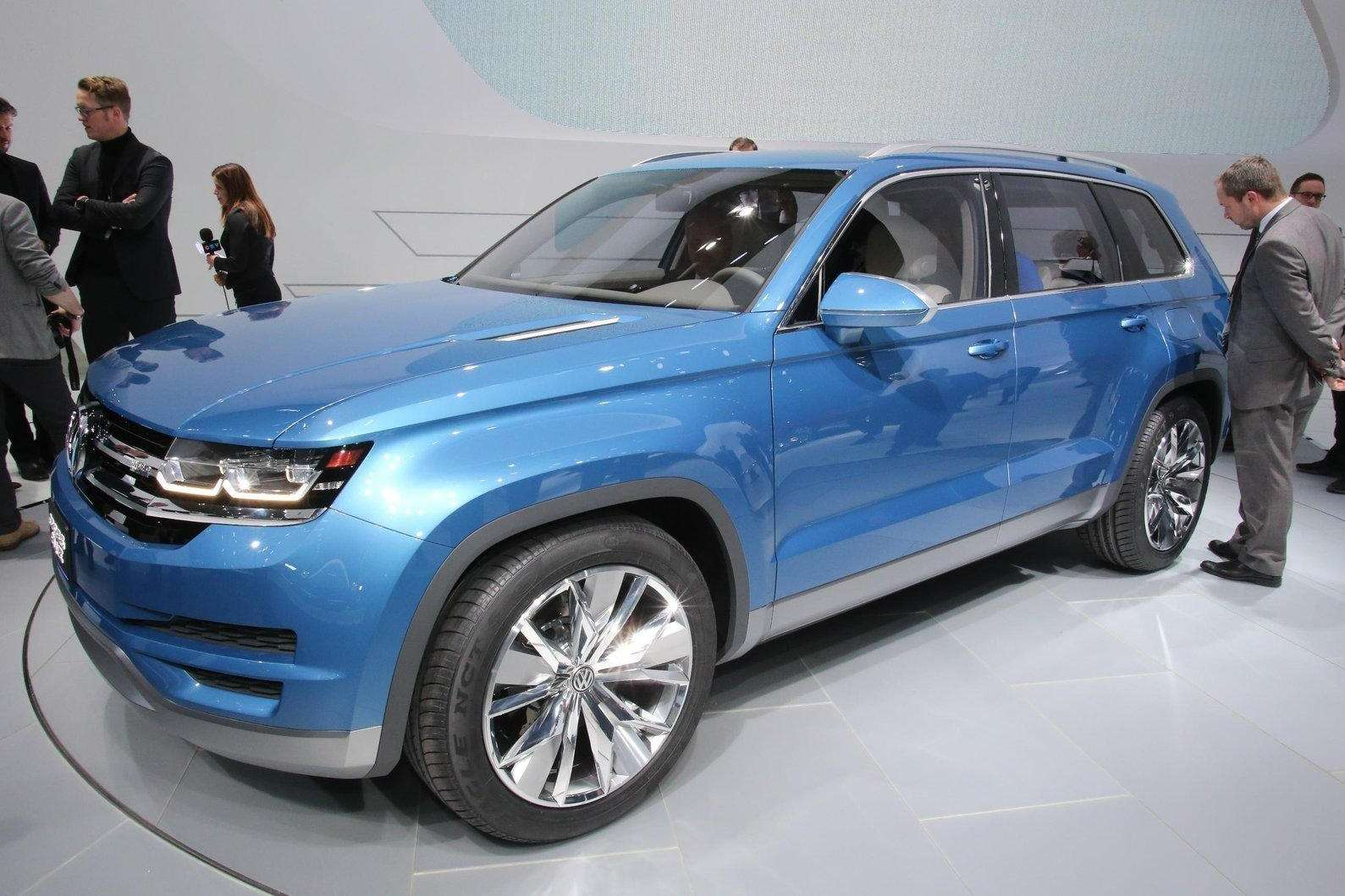 Volkswagen CrossBlue Concept side-front view_no_copyright