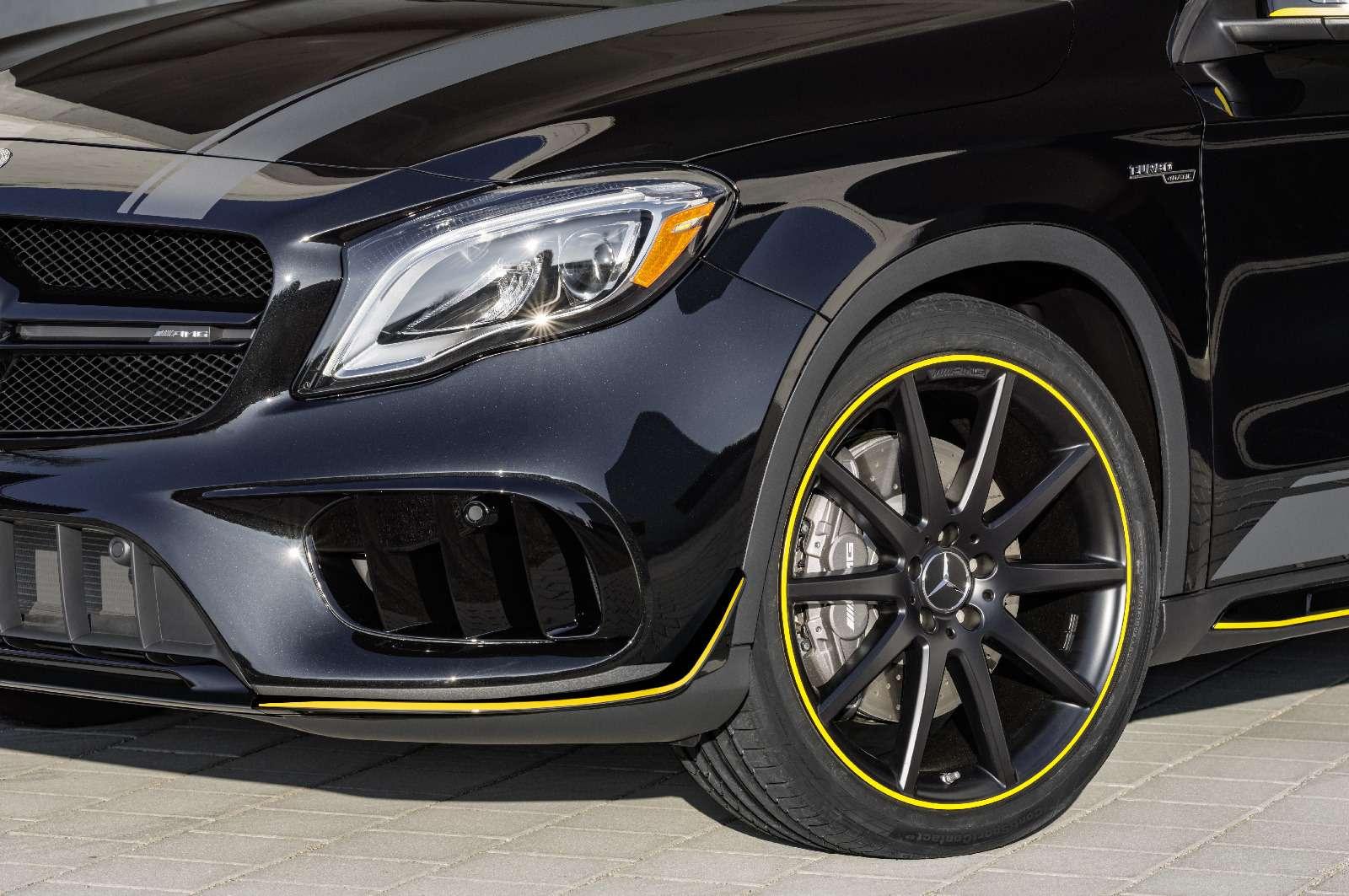 Mercedes-Benz GLA стал краше, нонепросторнее— фото 690082
