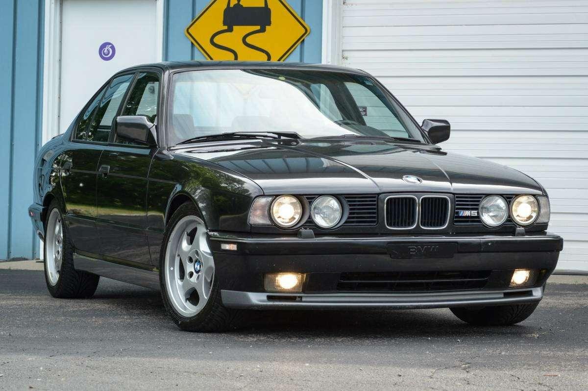 Демон ссекретом: что таит всебе классический BMW M5— фото 605078