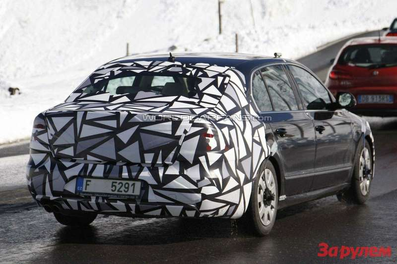 Facelifted Skoda Superb rear view