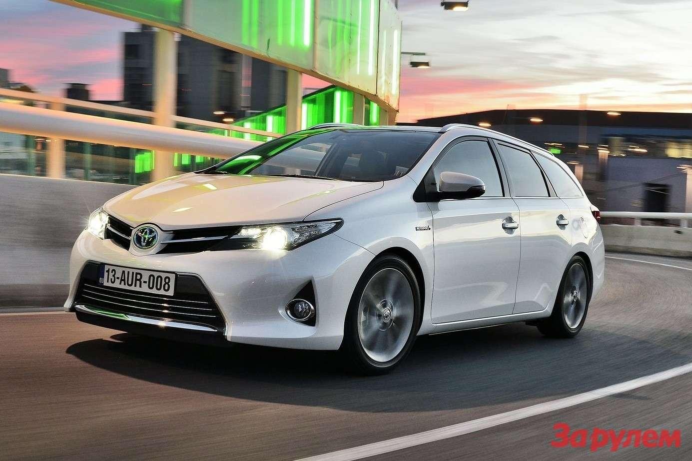 Toyota-Auris_Touring_Sports_2013_1600x1200_wallpaper_01