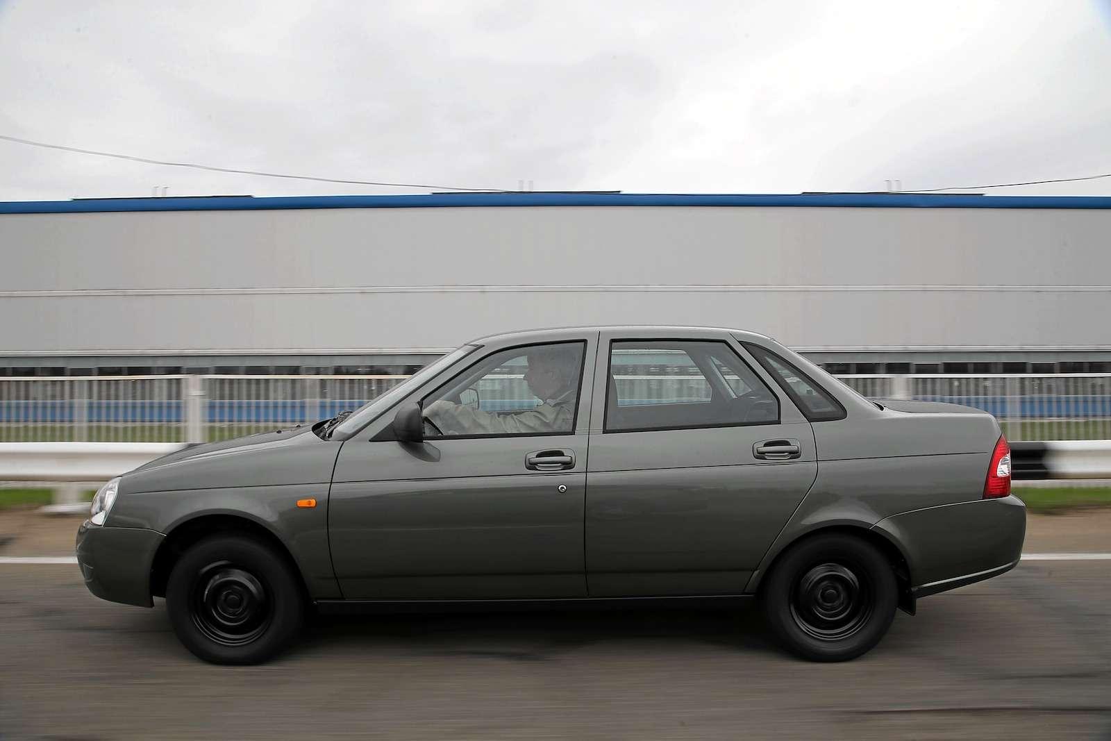 Лада Приора Стандарт: что потерял седан сдоступным ценником— фото 593387