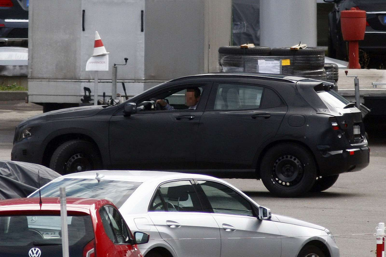 Mercedes-Benz GLA-class test prototype side view_no_copyright