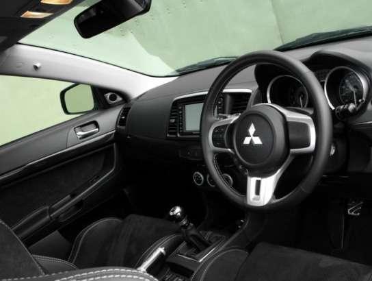Mitsubishi переходит наэкологические кресла