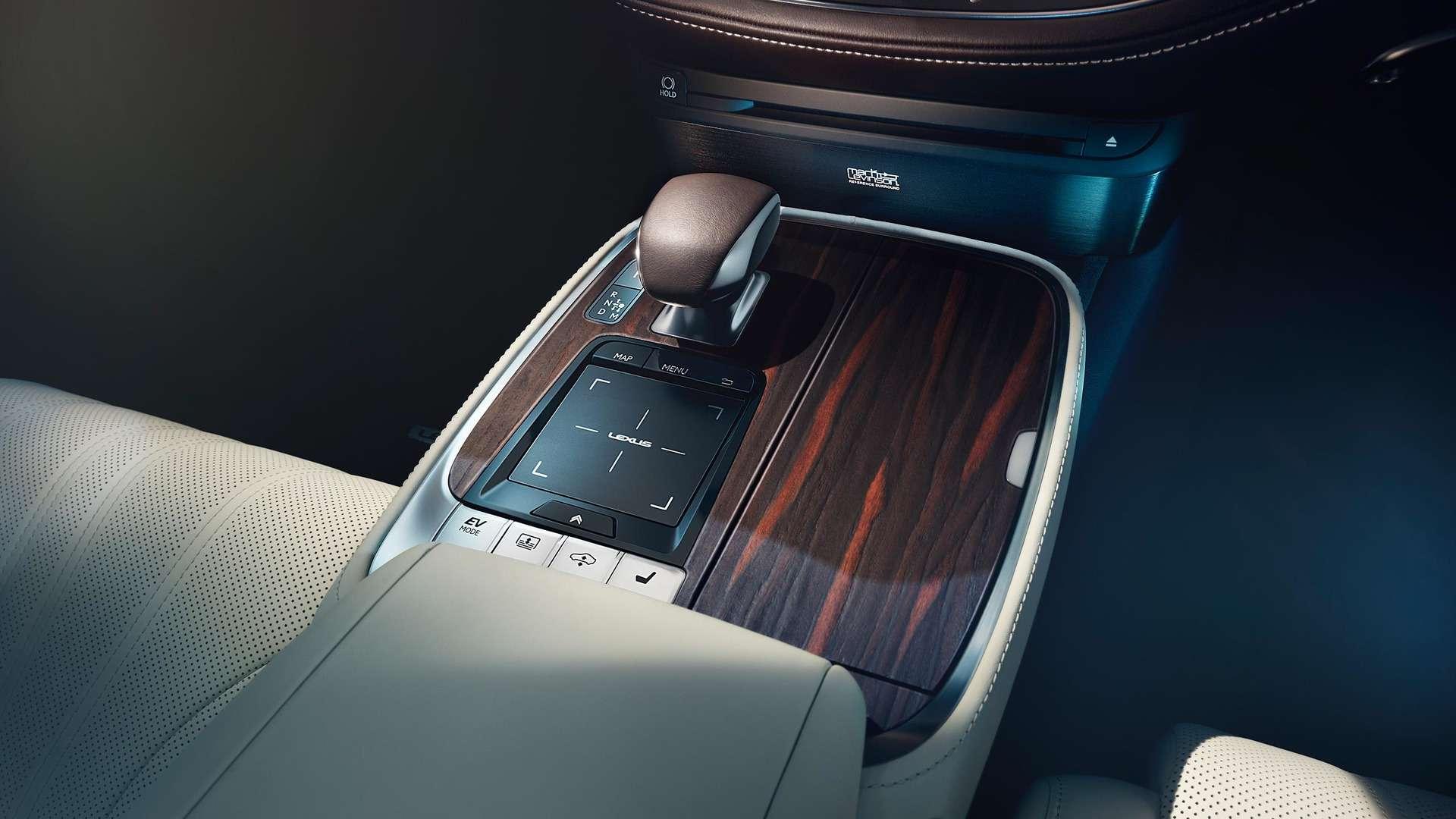 Проглотить S-класс: вДетройте дебютировал новый Lexus LS— фото 690281