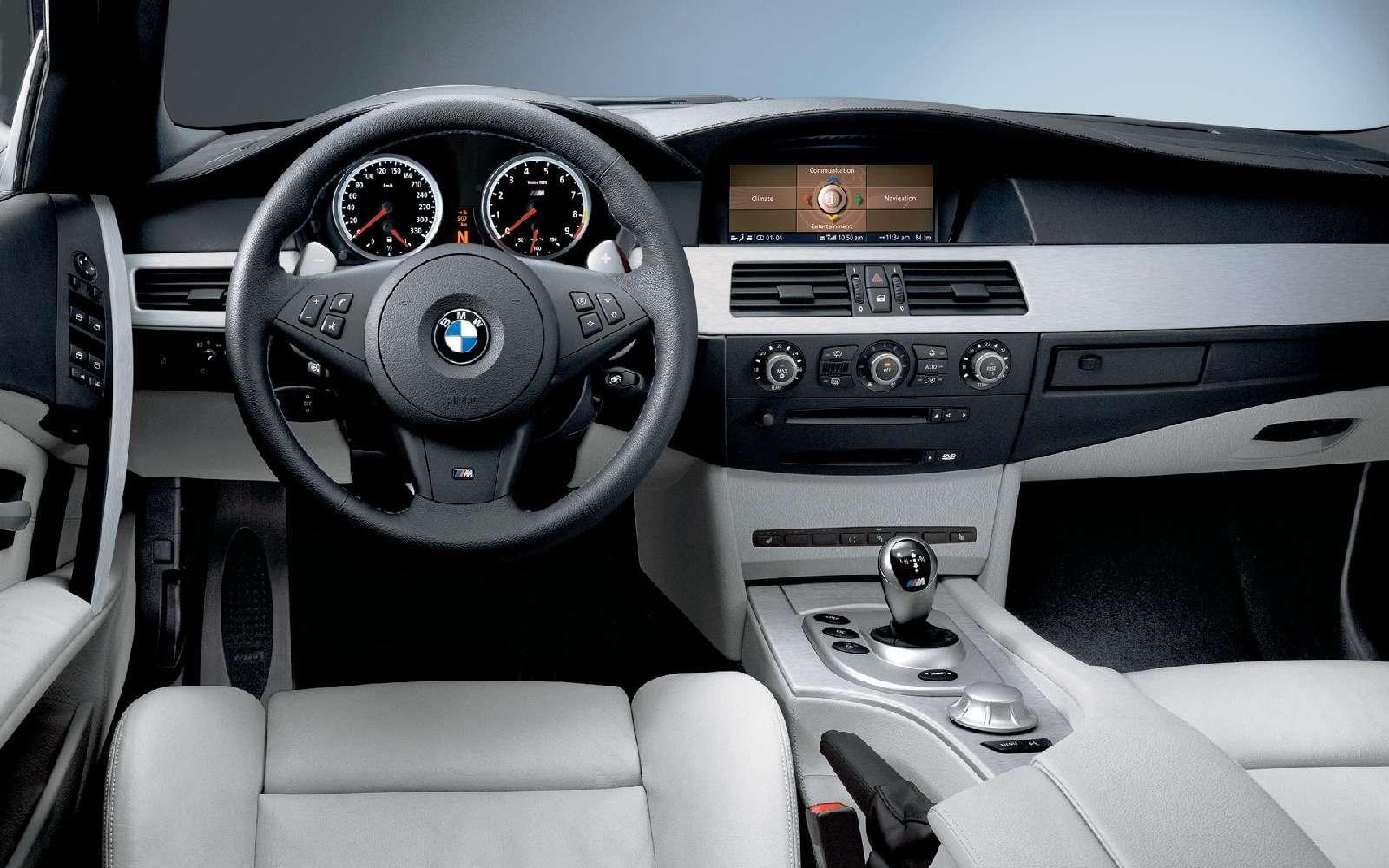 BMWM5не прощается, ноговорит досвидания— фото 611098