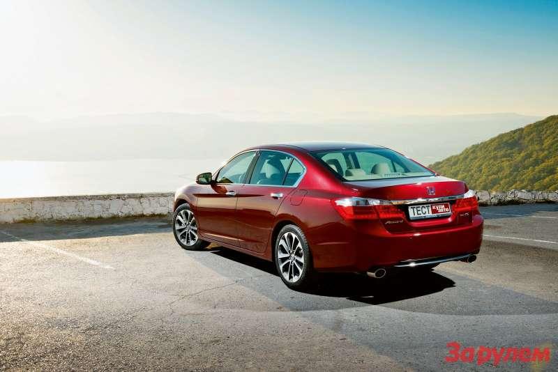 «Хонда-Аккорд», в продаже с марта 2013 года