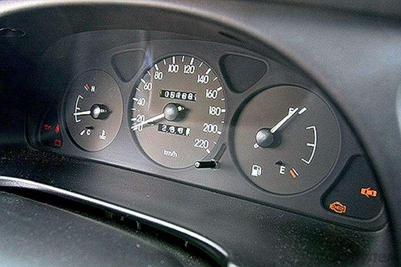 Блицтест Lada Priora, Chevrolet Lanos: Кредит доверия— фото 345005