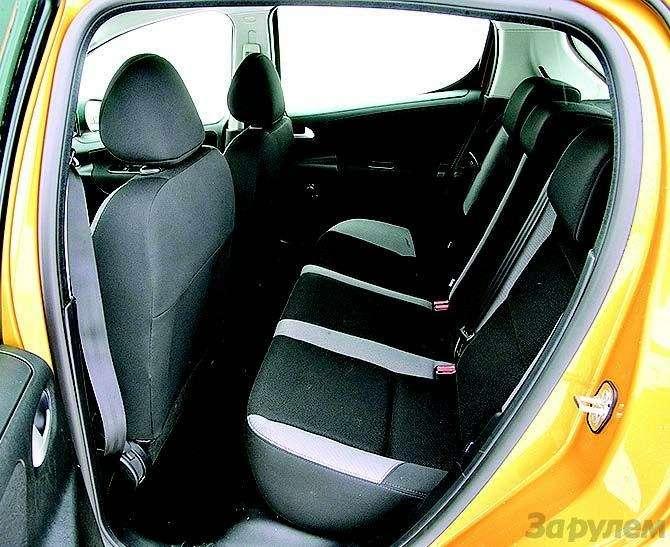 Peugeot 207, Chevrolet Aveo, Skoda Fabia: Кавалеры приглашают дам— фото 93087