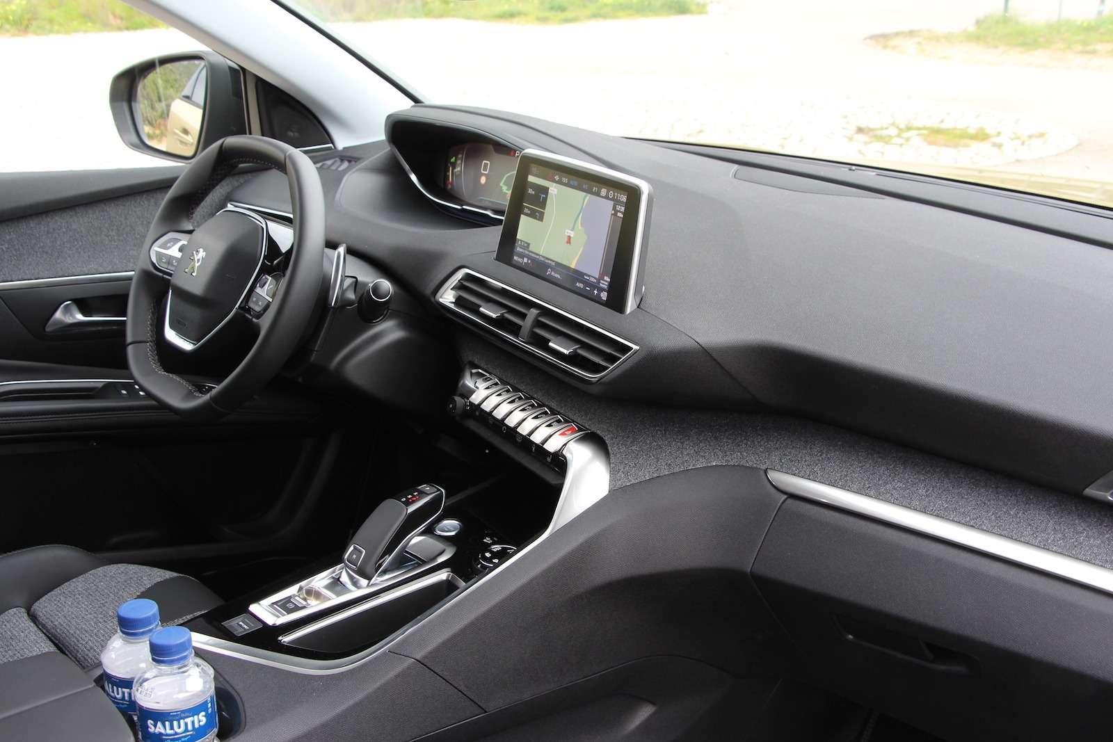 Оператив ЗР: зачем «опаркетили» Peugeot 5008?— фото 714302