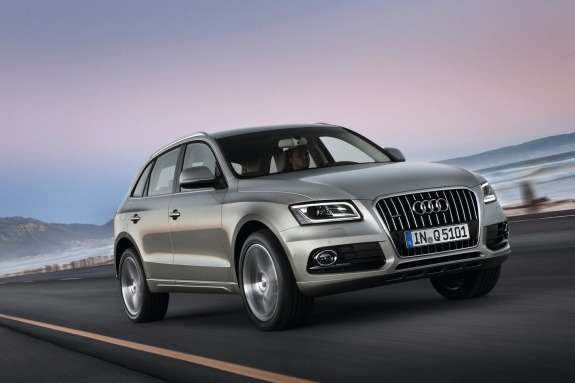 Facelifted Audi Q5side-front view