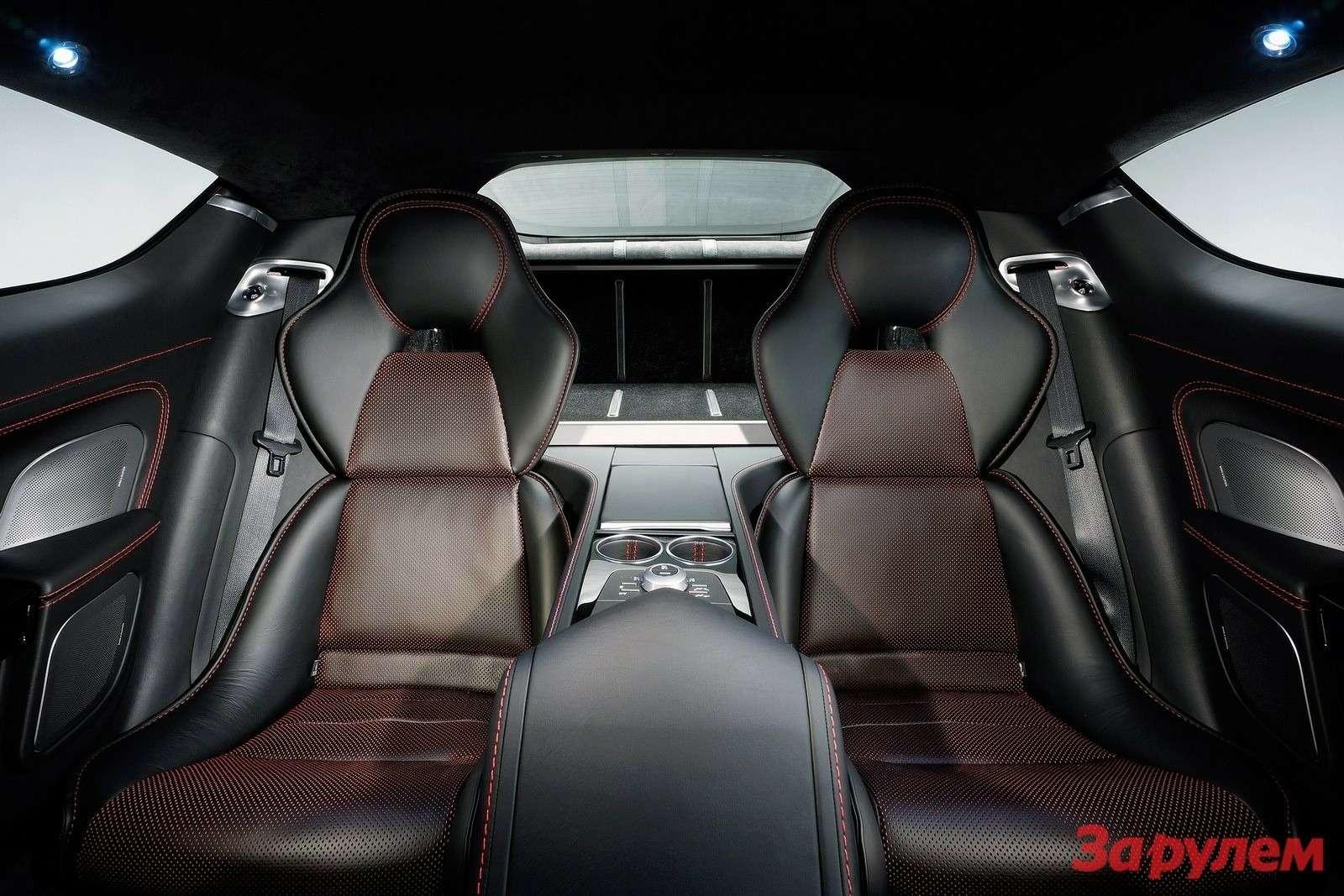 Aston Martin Rapide Sinside 2