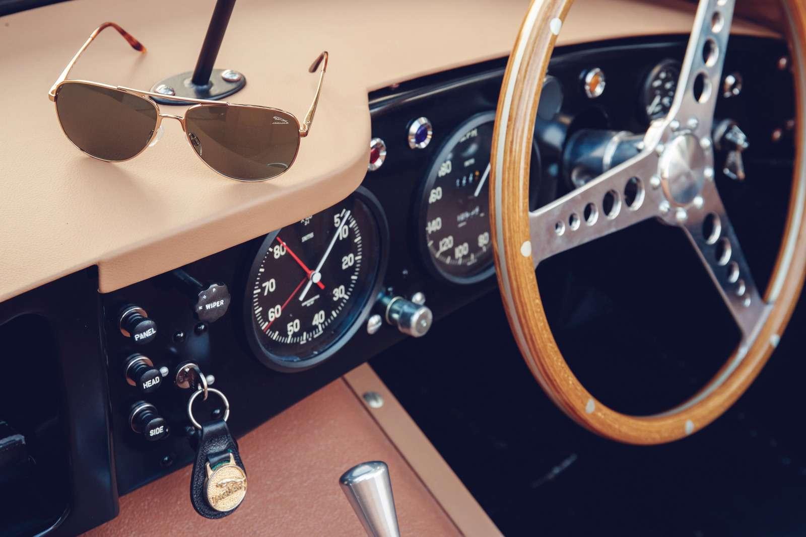 Jaguar вернулся квыпуску карбюраторных автомобилей— фото 665307
