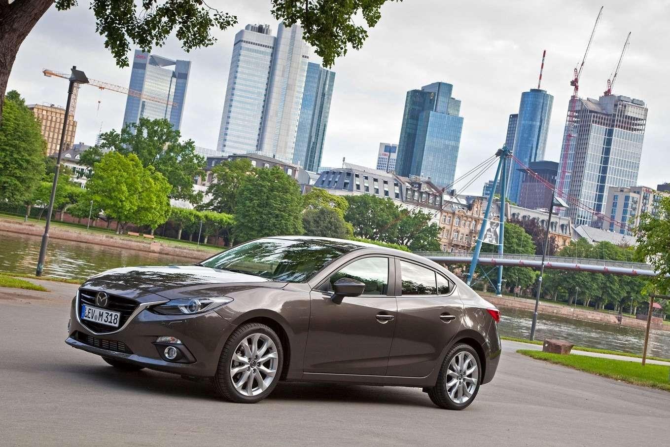 2014 Mazda3 Sedan 6[2] nocopyright (1)
