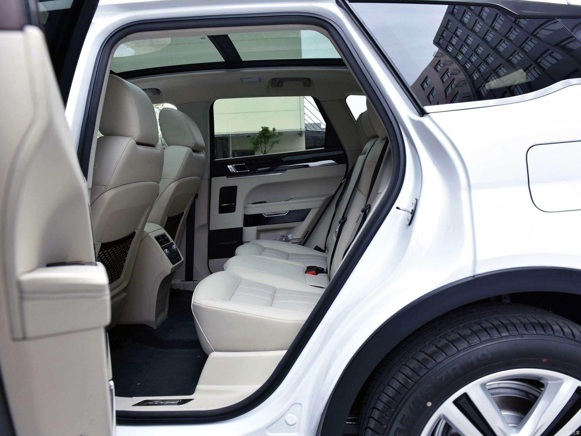 Jaguar иLand Rover водном флаконе: стартовало производство кроссовера Zotye T700— фото 727968