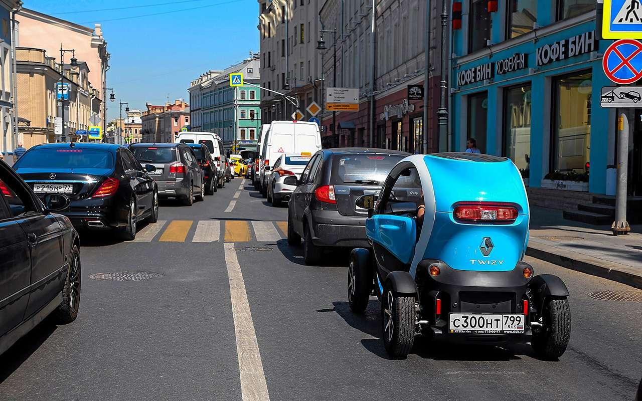 Самый странный автомобиль вРоссии: дачно-городской тест Renault Twizy— фото 983563