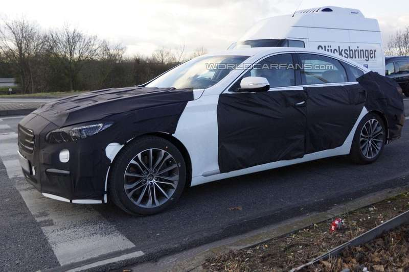 New Hyundai Genesis test prototype side-front view 2_no_copyright