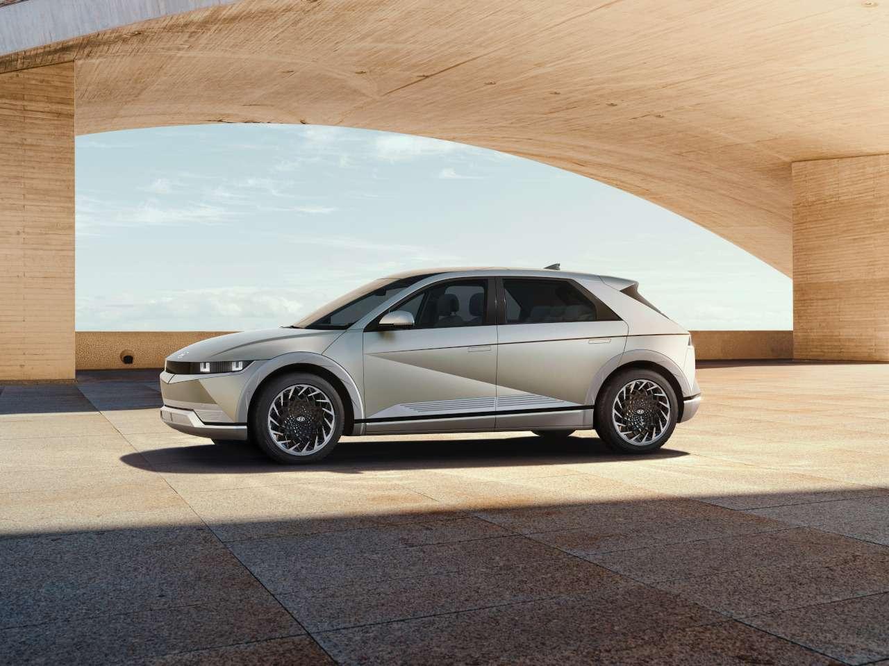 Hyundai Ioniq 5: мировая премьера кроссовера— фото 1225880