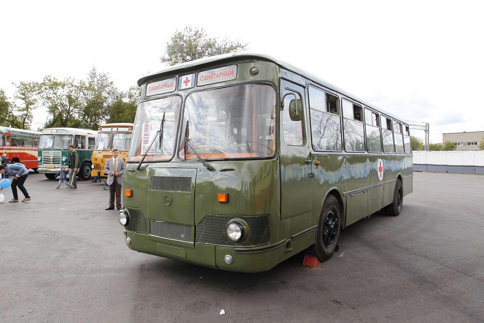 Автобусы нашего детства— выставка пассажирского транспорта— фото 792668