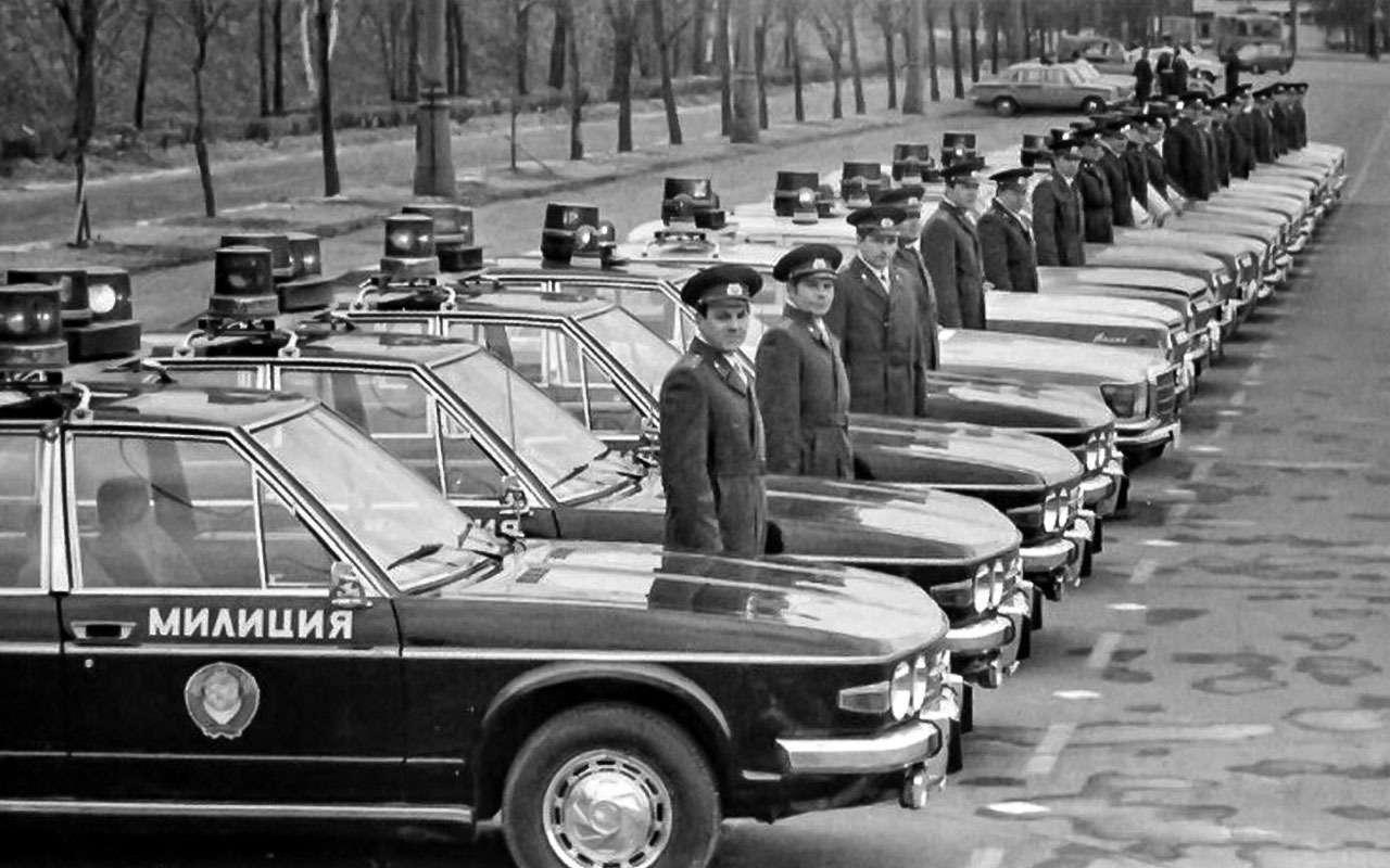Tatra 613в милиции